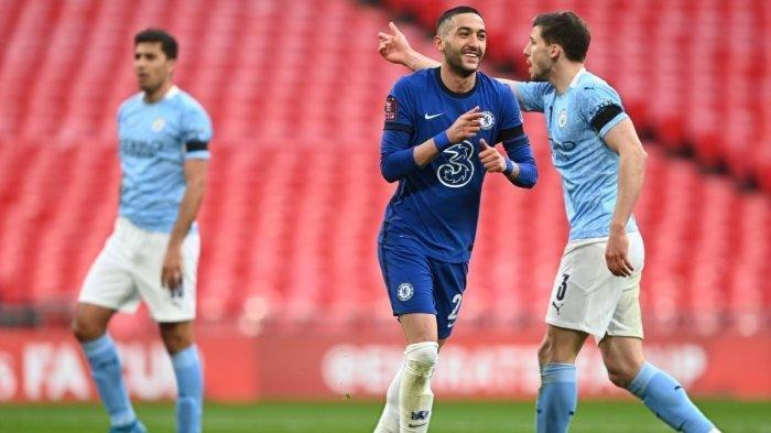 Hakim Ziyech merayakan gol ke gawang Manchester City. Berkat golnya, Chelsea menang 1-0 dan lolos ke babak final Piaa FA.