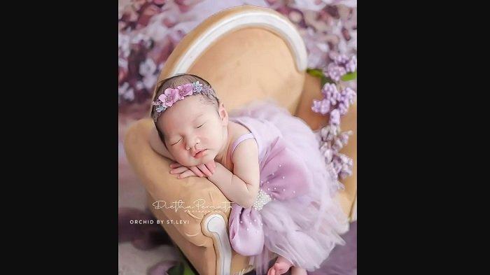Harga Baju yang Dikenakan Anak Nella Kharisma dan Dory Harsa, Baby Gendhis Semakin Menggemaskan