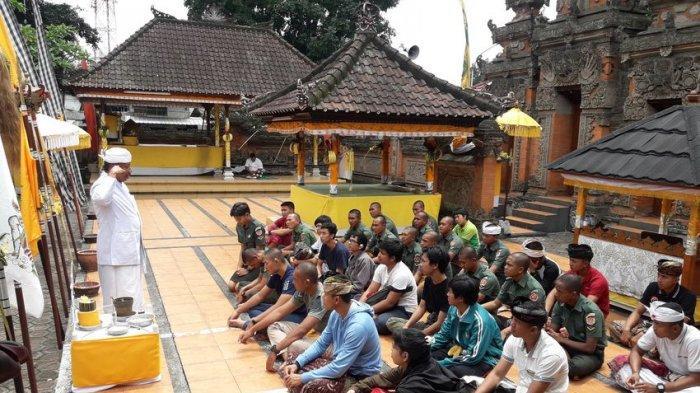 Suasana di Pura Agung Wira Loka Natha, Kota Cimahi Kamis (7/3/2019).