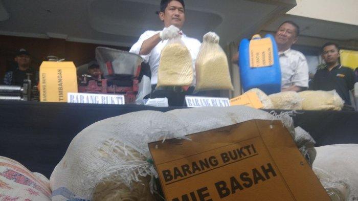 Polisi Tangkap Pemilik Produksi Mi Mengandung Formalin, Sita Mi Siap Edar