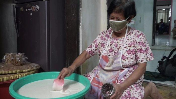 Tan Pikong Tetap Produksi Dodol Cina Menyambut Imlek Meski Pesanan Turun: Ini Tahun Terberat