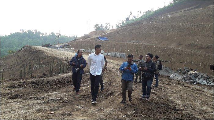 Tinjau Proyek Pramestha Resort, Wabup KBB Hengky Kurniawan: Seram Bangunan di Lokasi Seperti Ini