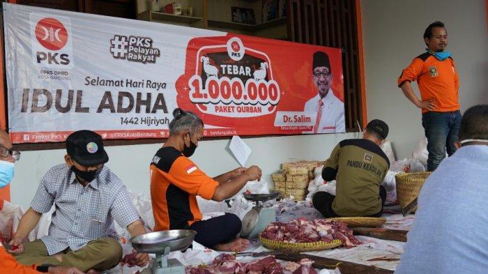 PKS Kota Bandung 10 Ekor Sapi dan Kambing, Untuk Keimanan dan Kemanusiaan