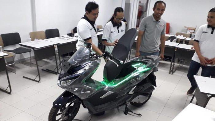 Sepeda Motor Hybrid Pertama di Indonesia Diperkenalkan Honda