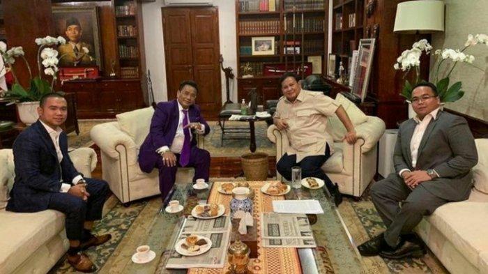 Hotman Paris Pose Bareng Prabowo, Netizen Kepo Apakah Akan Jadi Pengacara Edhy Prabowo