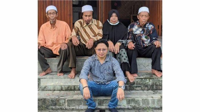 H.Tobi, H.Nahrudin, Hj Siti Aenah, H. Buyak Sama AA. Hilman