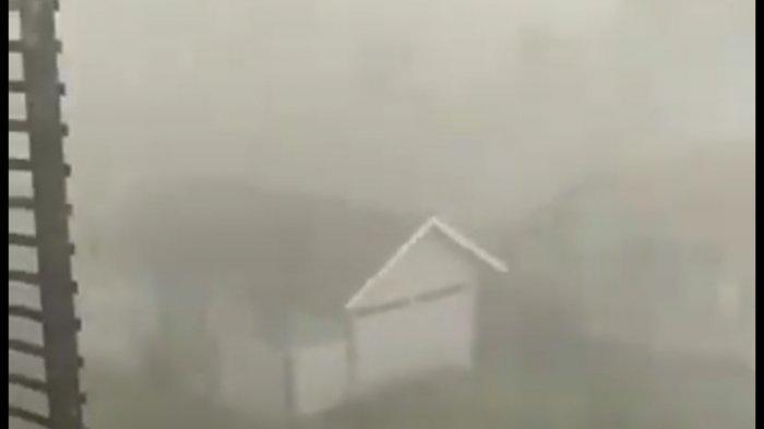 Hujan Deras dan Angin Kencang Landa Cianjur, Puluhan Rumah Rusak di Haurwangi, Genting Beterbangan