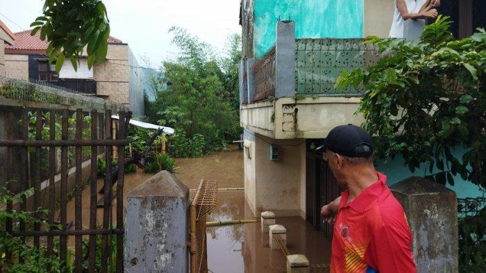 Hujan Deras Jatinangor Banjir, Rumah di Desa Cikeruh Sampai Sore Masih Kebanjiran b