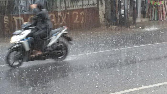 Siapkan Payung, Mantel, dan Minuman Hangat, Kuningan Diprediksi Hujan Hari Ini