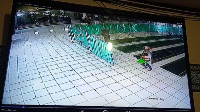 Hendak Melamar Jadi Relawan Covid di RSUD Garut, Wanita Muda Jadi Korban Kejahatan di Masjid Agung