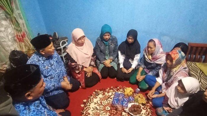 Anak Hanyut di Parit Babakan Ciparay Bandung, Orang Tua Pasrah, Berharap Jasad Anak Ditemukan