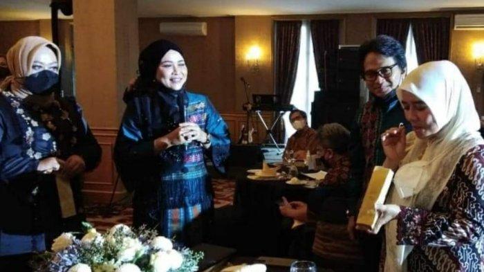 Teh Lina, Ibu Wagub Jabar Minta Produk UMKM Kuliner Bisa Terus Berkembang Di Tengah Pandemi Covid-19