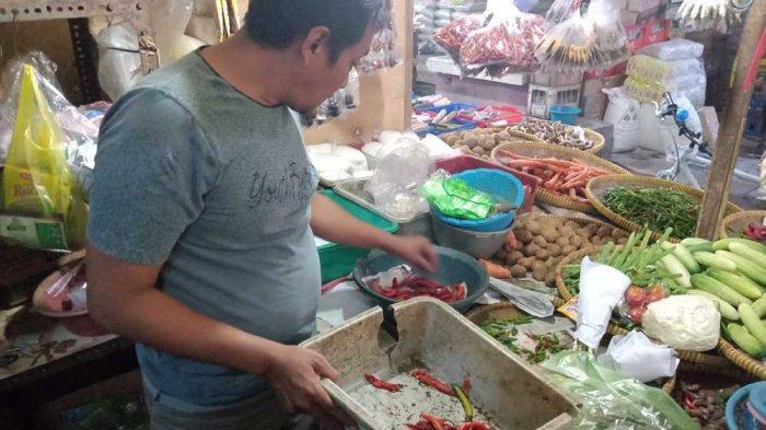 Cabai Busuk Laris Manis di Pasar Baru Indramayu Gara-gara Harga Naik