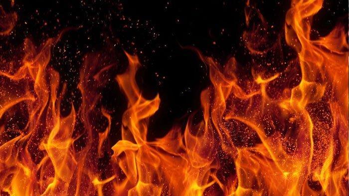 Malangnya Nasib Udin Petani Muda di Pangandaran, saat di Ladang Rumahnya Terbakar dan Kini Mengungsi