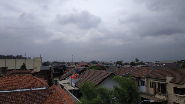 Kabut Menyelimuti Bandung Pagi Ini Ditemani Hujan Rintik-rintik, Ini Prakiraan Cuaca Bandung Sabtu