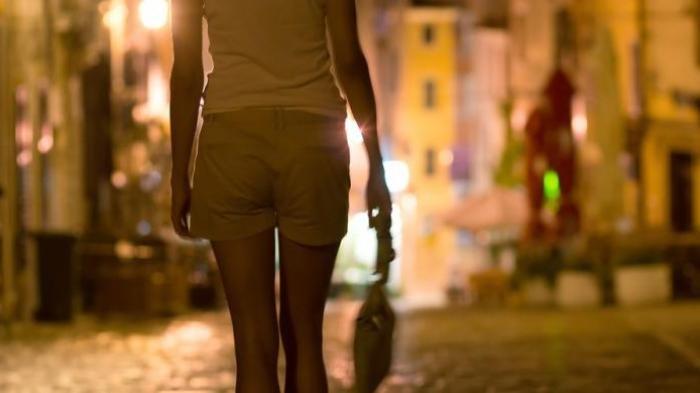 Suami di Karawang Tega Jual Istrinya Sendiri ke Pria Hidung Belang, Terbongkar setelah Warga Curiga