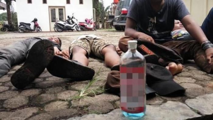 Pesta Minuman Oplosan Berujung Petaka, Seorang Pemuda di Purwakarta Meregang Nyawa