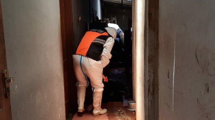 Aa Ditemukan Meninggal di Dapur Rumahnya, Sang Anak Curiga Tak Ada Komunikasi Selama 3 Hari