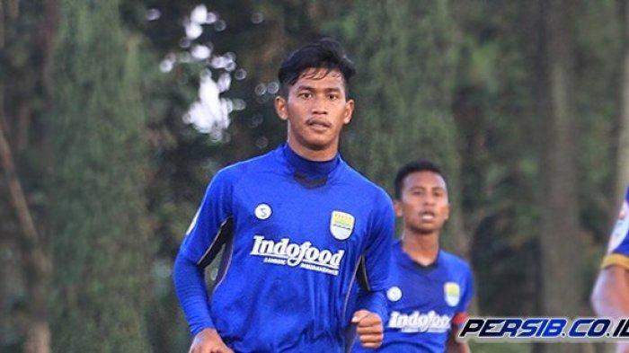 Bek Tengah Persib Bandung Selalu Dihuni Pemain Asing, Indra Mstafa Akan Jadi The Next Robby Darwis?