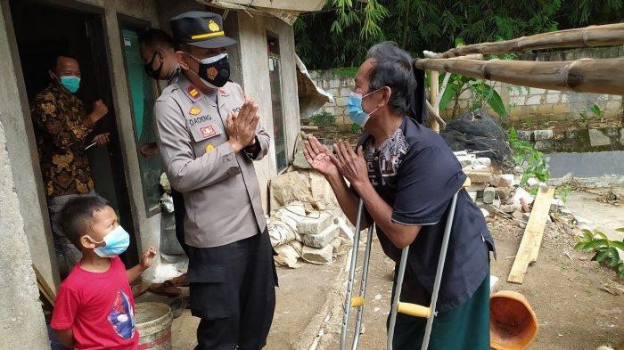Satu Keluarga yang Lumpuh di Cianjur Tetiba Didatangi Polisi, Senang Saat Terima Barang Tak Terduga