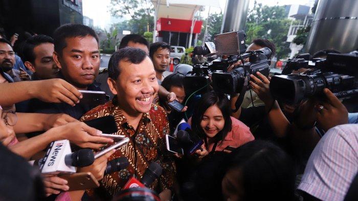 6 Jam KPK Geledah Kantor Sekda Jabar Iwa Karniwa di Gedung Sate, Dokumen Ini yang Dicari