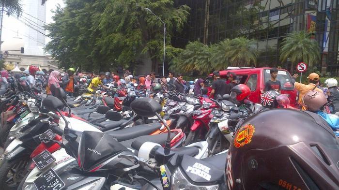Tarif Parkir Motor di Kota Tasikmalaya Naik Jadi Rp 3.000, Mobil Jadi Rp 4.000, Warga Pun Protes