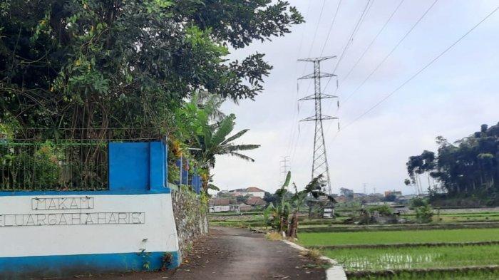 Jalan Darurat SDN 2 Tugu Kota Tasik Menyusuri Sawah, Banyak Ibu-ibu Tercebur saat Antar Anak Sekolah