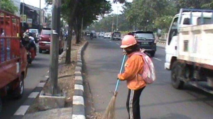 Honor Penyapu Jalan dan Pengangkut Sampah di Subang Cuma Rp 39 Ribu, Sukwan Berharap Jadi PNS