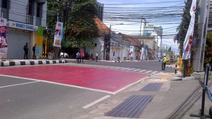 Wah Bandung jadi Kota Mati, Jalan-jalan Sepi, Orang Pilih Diam di Rumah