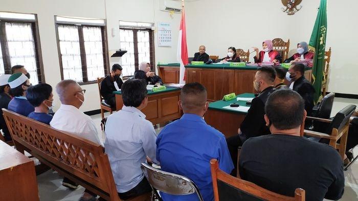 Kasus Pelemparan Bom Molotov Kantor DPC PDIP Masuk Persidangan, Rekaman CCTV Diperlihatkan