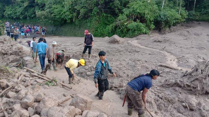 BREAKING NEWS, Jalur Alternatif Bandung-Garut via Cijapati Tertutup Longsor, Belum Bisa Dilalui