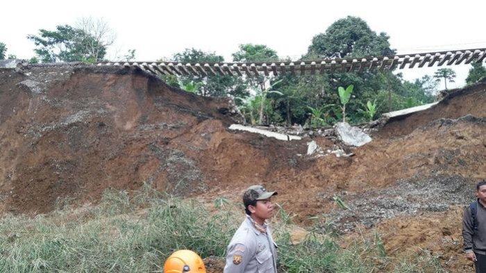 Jalur KA Sukabumi-Bogor Butuh Waktu Lama untuk Normal Lagi