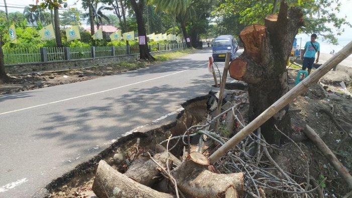 Jalur Wisata Pantai Citepus Kabupaten Sukabumi Rusak Tergerus Gelombang Pasang