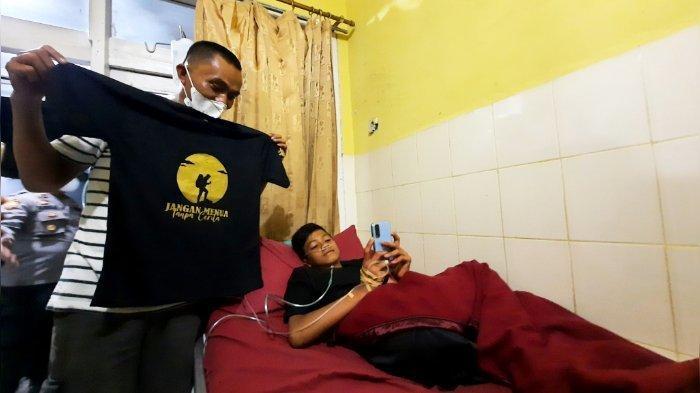 Isyarat Gibran Sebelum Hilang di Gunung Guntur, Beli Kaus Jangan Menua Tanpa Cerita, Ini Kata Ibunya