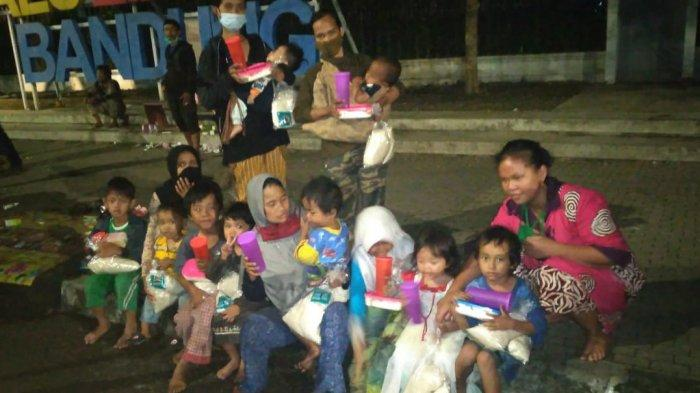 Ulurkan Tangan Saling Mengasihi Melalui Bakti Sosial Javaretro Bersama TNI