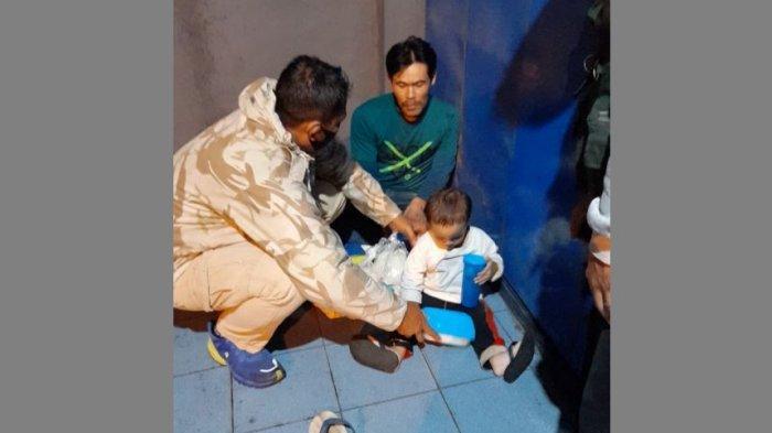 Bulan Depan Puasa Ramadan, Javaretro dan TNI Susur Bandung Bagikan Sembako Bekal Puasa