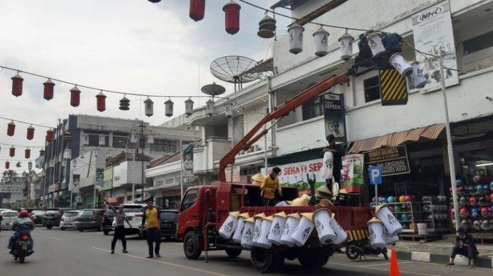 Jelang Tahun Baru, 908 Lampion di Sejumlah Jalan di Purwakarta Diganti, Habiskan Rp 100 Juta