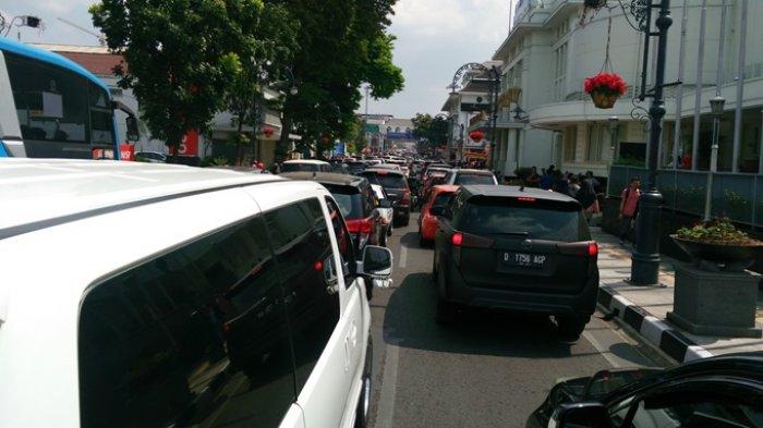 Liburan di Kota Bandung? Hindari Jalan Ini, Macet!
