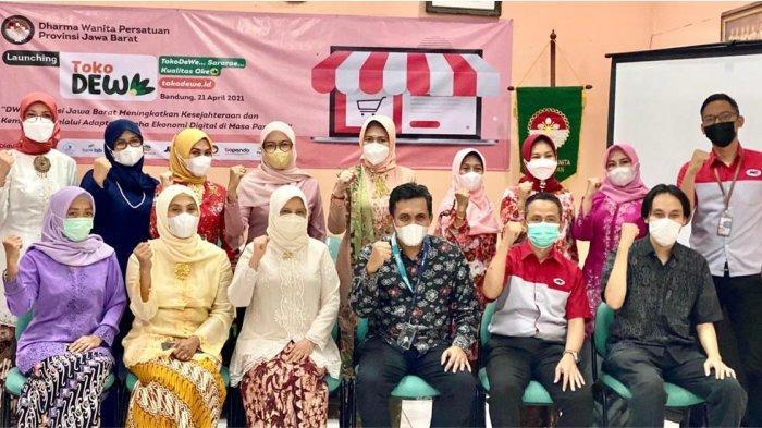 Launching Toko DeWe, Dharma Wanita Provinsi Jabar Gandeng JNE
