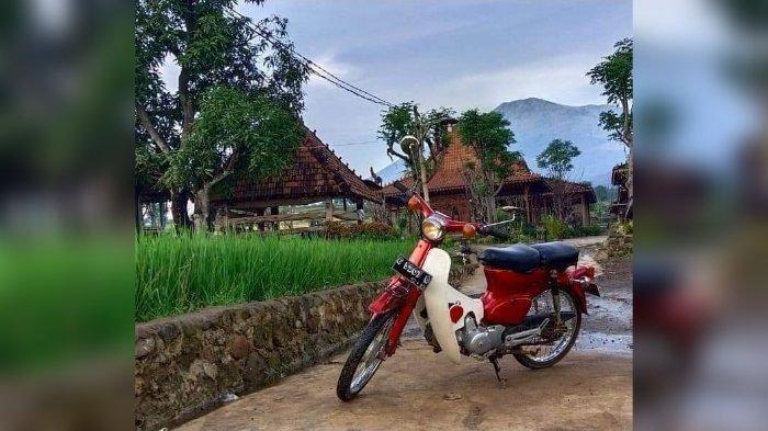 Pengasuh Ponpes Bina Insan Mulia KH Imam Jual Motor Antik Honda 70,Cukup Dibayar Puasa Sunah Setahun