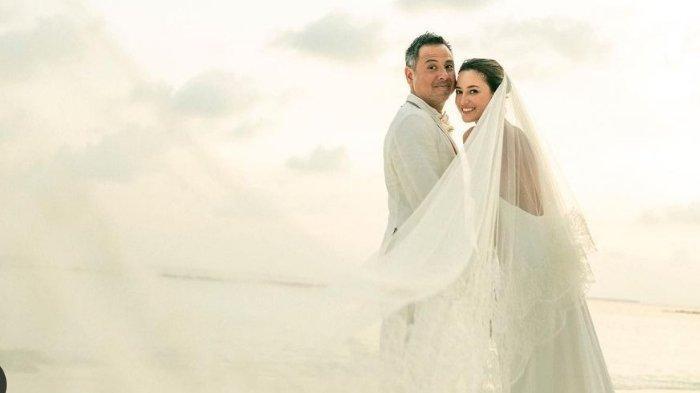 Foto-foto Cantiknya Julie Estelle Dinikahi Pembalap Mobil David Tjiptobiantoro, Ini Profil Suaminya