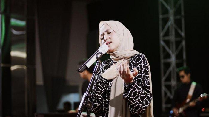 Cara Nissa Sabyan Ucapkan Kata Gelay, Nadanya Manja, Kini Viral Banyak Dibicarakan Netizen