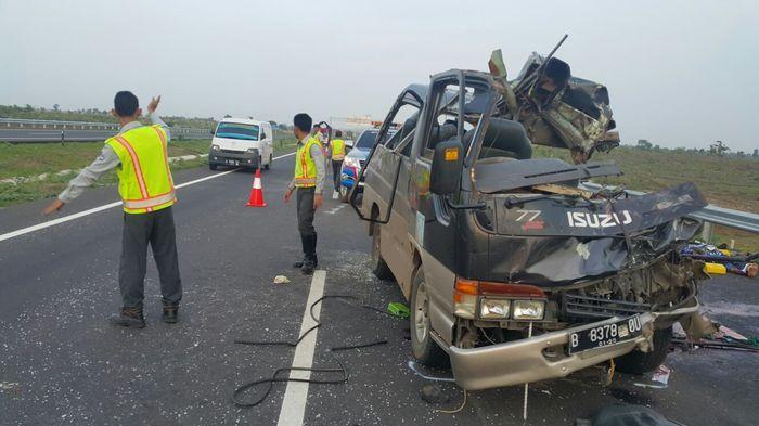 Menyedihkan, Pria Korban Kecelakaan Tol Cipali yang Dirawat Ini Belum Tahu Kondisi Anak dan Istrinya