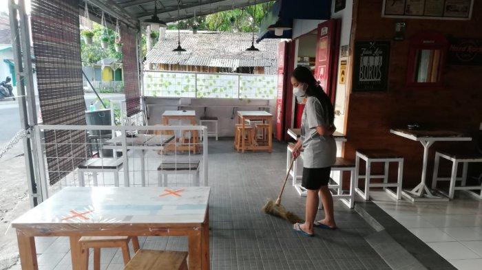 Meski PPKM di Sumedang Diperlonggar, Aktivitas di Kafe Ini Masih Sepi Biasanya Sore Sudah Ramai