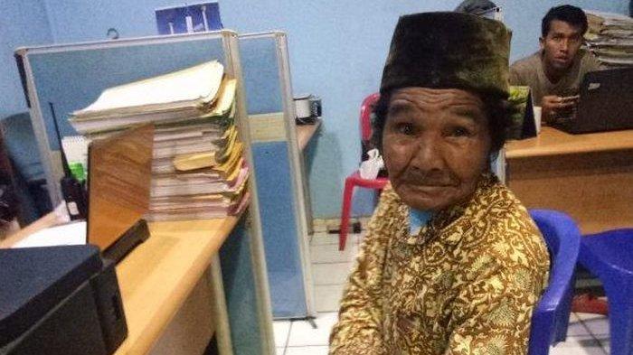 Kisah Pilu, Kakek Ini Susah Payah Jadi Kuli Panggul Dapat Uang 500 Ribu, Raib Dirampas Penjambret