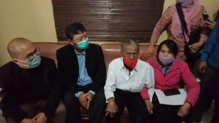 Kakek Renta di Bandung Digugat Anaknya Rp 3 Miliar, Mau Jual Tanah untuk Dibagi Rata Malah Dibentak