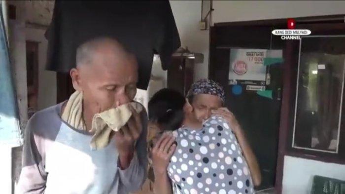 Kambingnya Hilang Dicuri Maling Sialan, Keluarga Miskin Ini Pun Menangis Saat Dapat Penggantinya