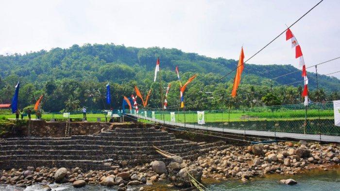 Kampung Japara di Cisompet Kabupaten Garut Kini Kembali Terhubung oleh Jembatan Gantung
