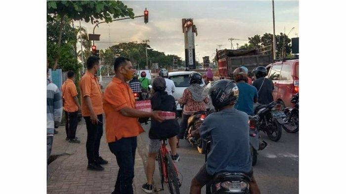 Kebaikan Pasti Sampai, Pos Indonesia Bagikan Jutaan Takjil