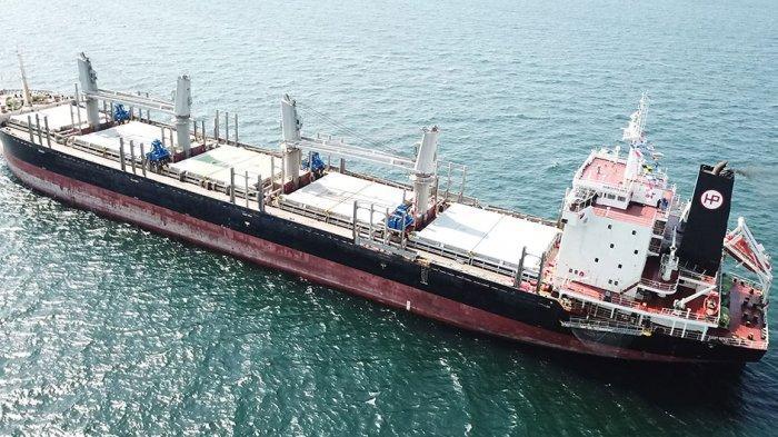 Kapal Kargo Curah atau Bulker Carrier MV Habco Pioneer. Kapal kargo besar ini ditabrak kapal nelayan Barokah Jaya di Perairan Balongan Indramayu, Jumat (3/4/2021) pukul 16:45 WIB